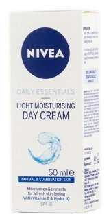 Nivea Visage Light Moisturising Day Cream SPF 15